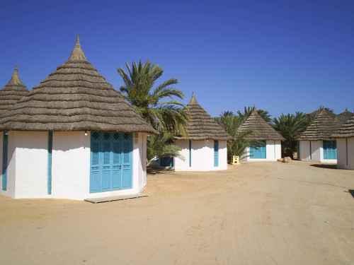 tunisia_beach_huts.jpg